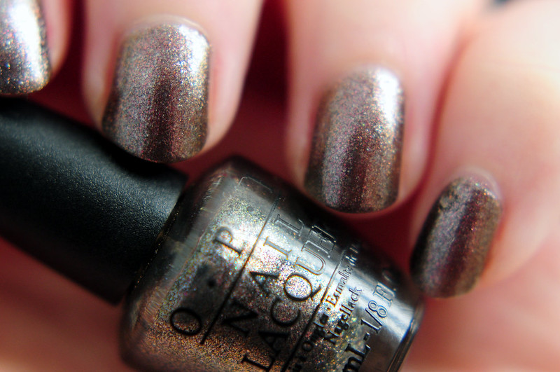 notd-opi-the-world-is-not-enough-nail-polish-rottenotter-rotten-otter-blog