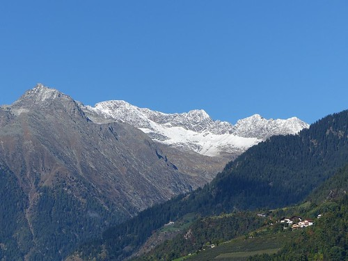 K1024_Dorf Tirol 05.10 003