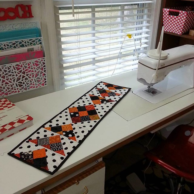 pat sloan stitched runner