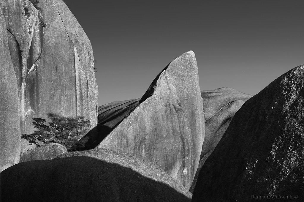 Big boulders_b_c