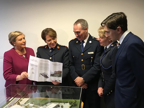 Minister Francis Fitzgerald and Commissioner Nóirín O'Sullivan view plans for Athlone Garda Station