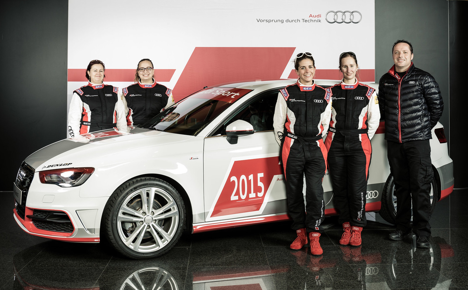 audi experience endurance team280 quipage 100 girls. Black Bedroom Furniture Sets. Home Design Ideas