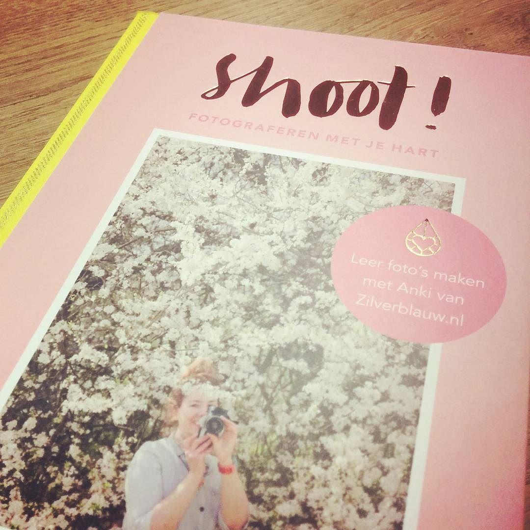 Vandaag gekregen van manlief en daar ben ik heel erg blij mee! #shoothetboek