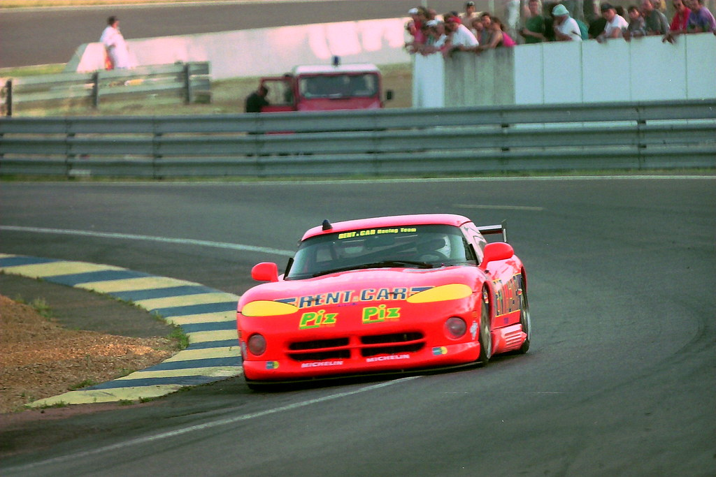 Dodge Viper RT10 - Rene Arnoux, Justin Bell & Bertrand Balas in the Esses at the 1994 Le Mans