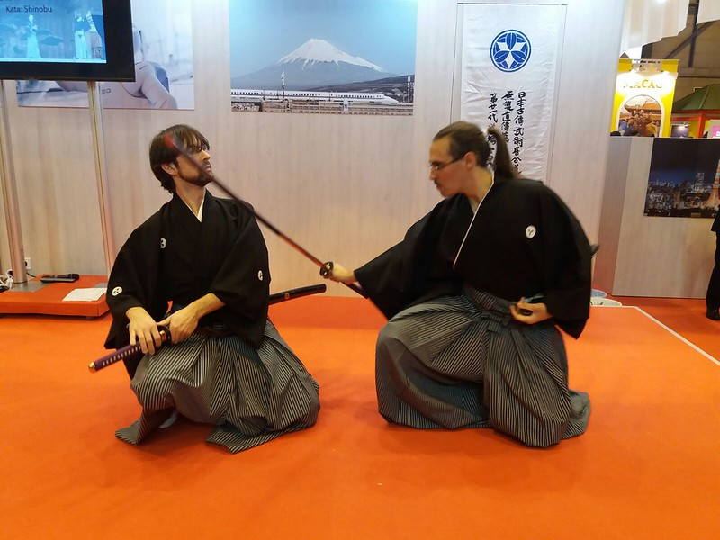 Exhibición en Fitur. Musô Jikiden Eishin ryû iaijutsu (Yamauchi-ha Komei Jyuku) Demuestran. Sekiguchi Kenryû shibuchô y Jorge García monjin