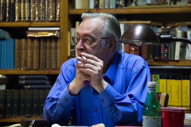 Olavo no escritório - Foto: Mauro Ventura