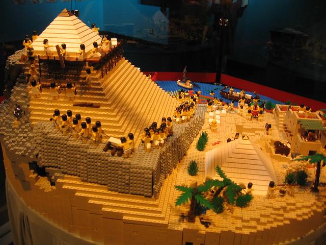 How Do You Build A Lego Pyramid