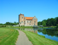 stately home, building, monastery, reservoir, estate, water castle, rural area, waterway, moat,