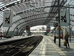 Hauptbahnhof - Central Railwaystation