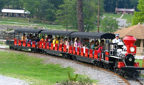 Noccalula Falls park train