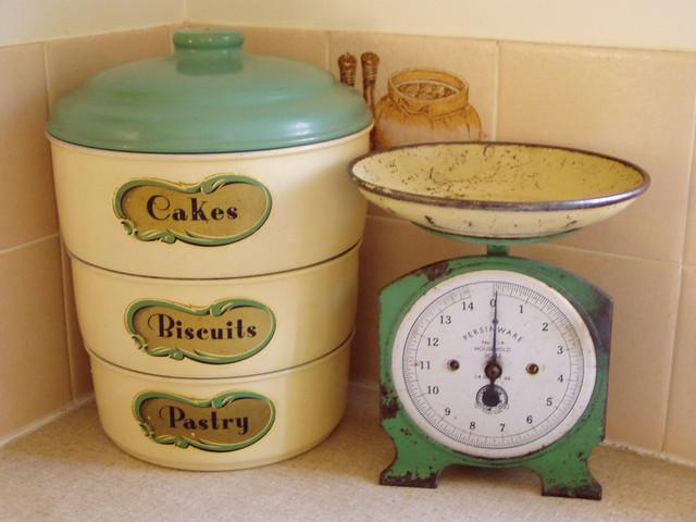 Cream Kitchen Accessories Ideas