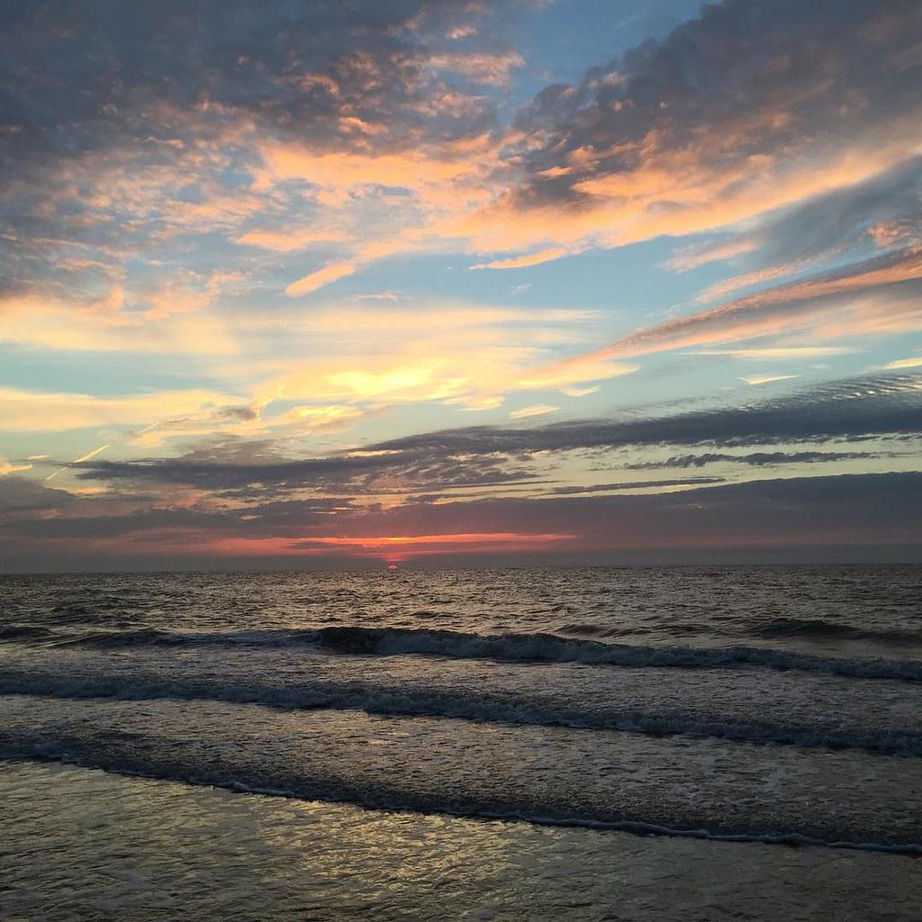 So sah der Sonnenuntergang noch vor kurzem aus! #nofilter #ostkapelle #nl