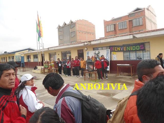 DOCENTES DE LA RED EDUCATIVA 801 DE EL ALTO REALIZAN JORNADA DEPORTIVA