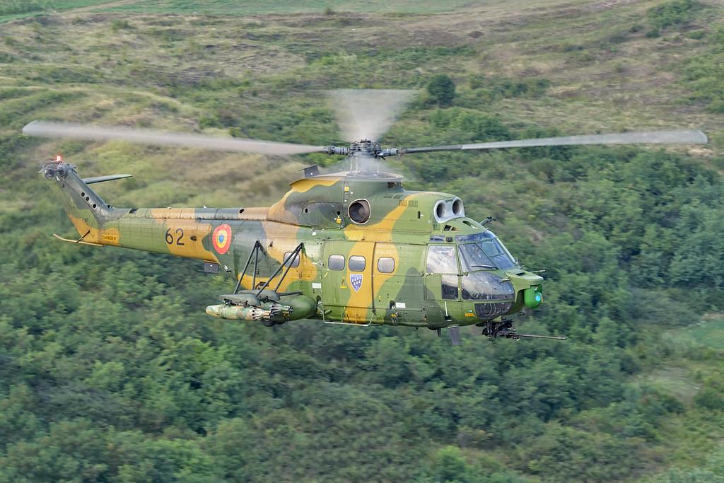 IAR 330 Puma SOCAT 21193123965_f3c9434749_b