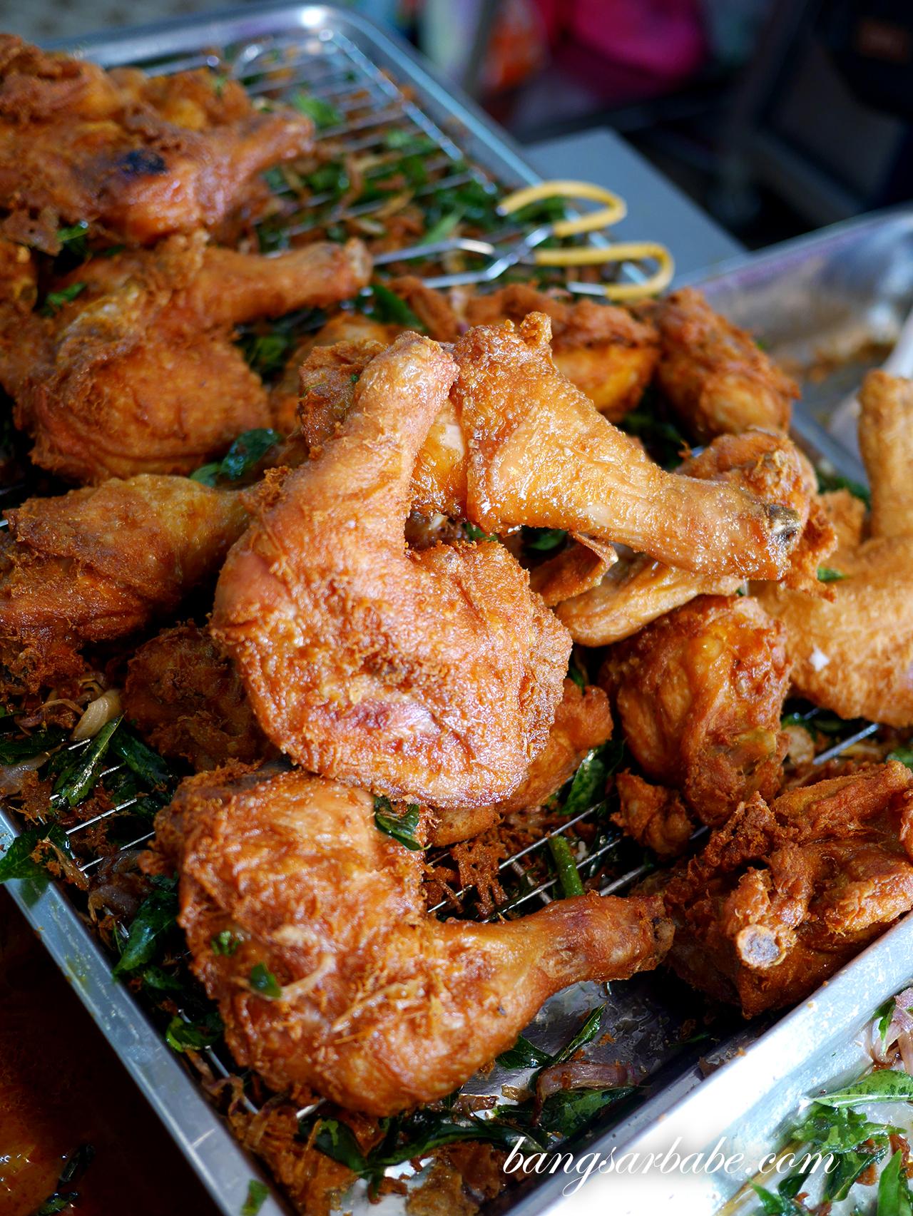 Freshly fried chicken (2)