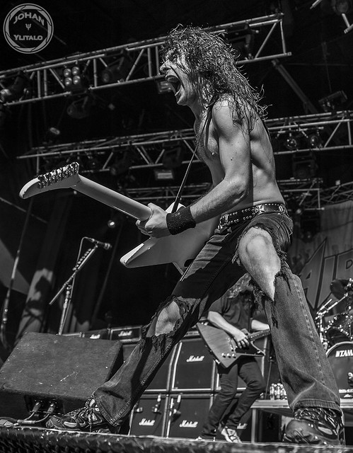 Airbourne (2)