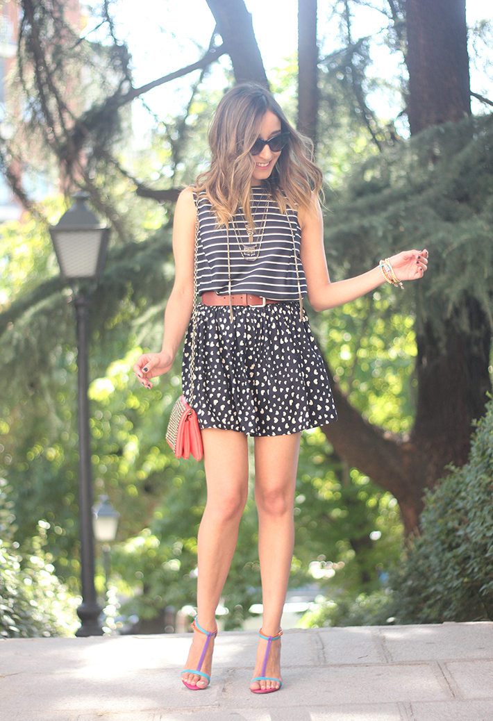 Hearts Stripes Print Skirt Top Outfit Carolina Herrera Sandals15