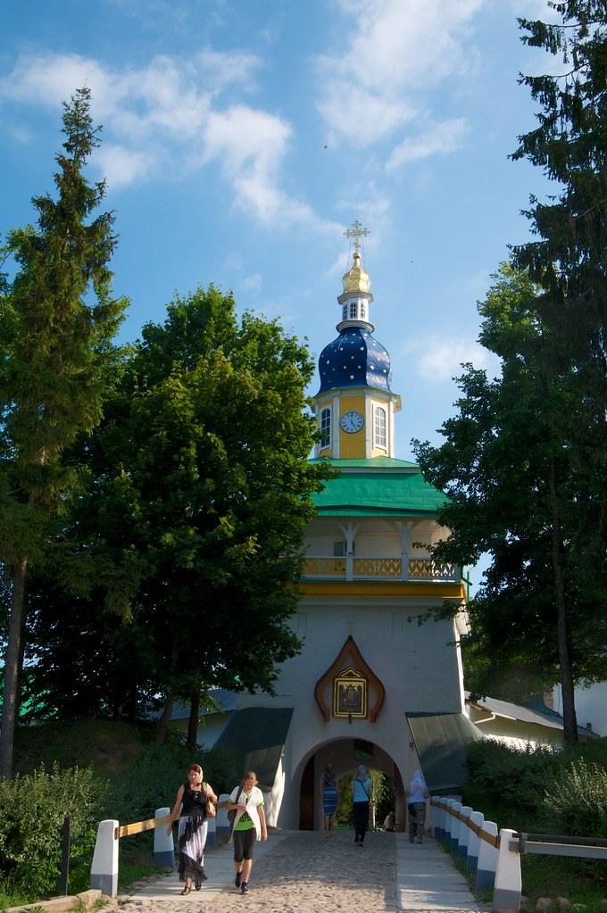 Башня надвратная Петровская, Печоры, Псковская область Россия