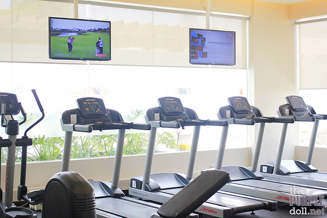 Gym Treadmill at Holiday Inn & Suites Makati