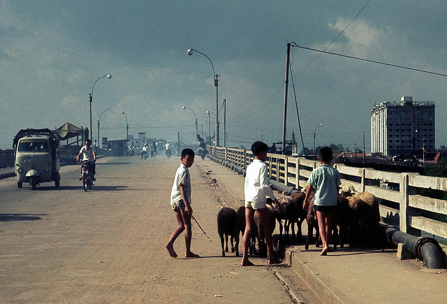 Saigon Nov 1968 - on the Y Bridge