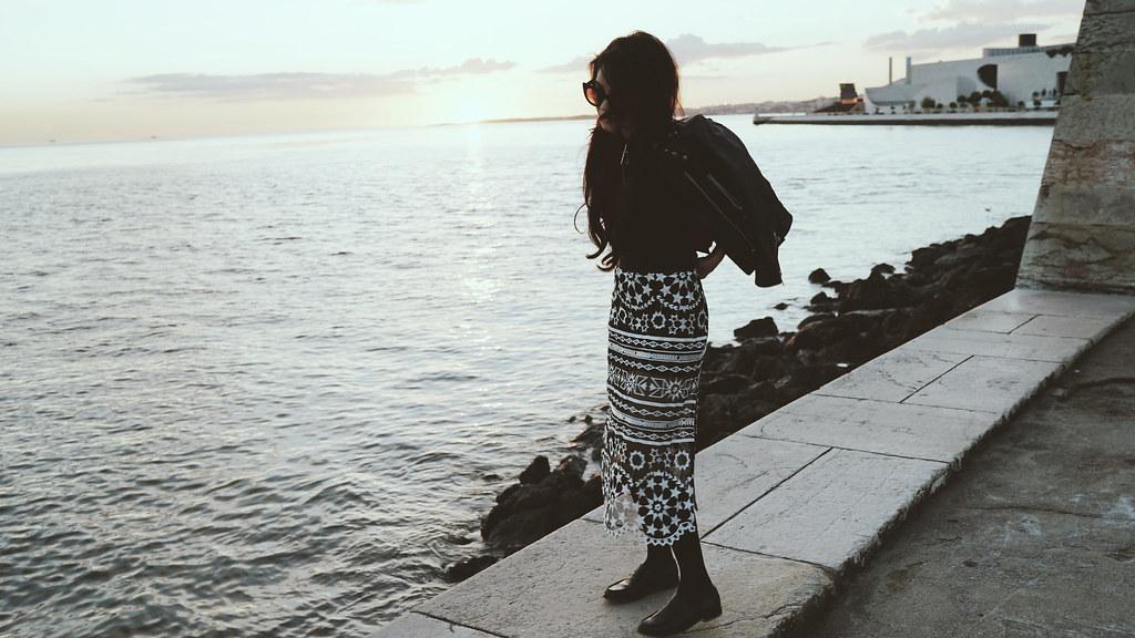 Ванесса Хадженс — Фотосессия для «Find Your California» 2015 – 123