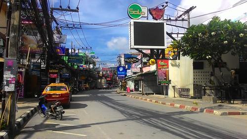 Koh Samui Chaweng Beach Road -Morning