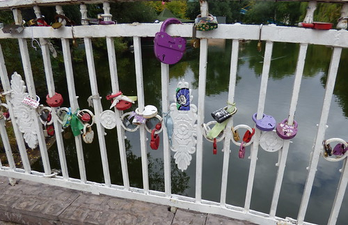 love locks in Gorky Park, Moscow