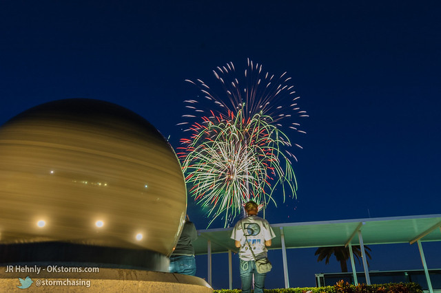Fri, 11/02/2012 - 19:08 - Fireworks celebrate the arrival of Atlantis to the Visitor Complex - November 02, 2012 7:08:07 PM - , (28.5242,-80.6811)