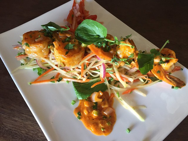 Sauteed prawns and green papaya - Caskhouse