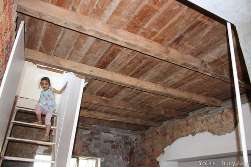 The old kitchen ceiling is stripped bare, revealing beautiful original oregon pine boards. As we want to do away with those awkward stairs, we need to fill the opening with the same type of wood.