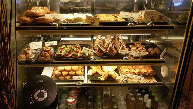 2015-Nov-3 Acacia Fillo Bar desserts