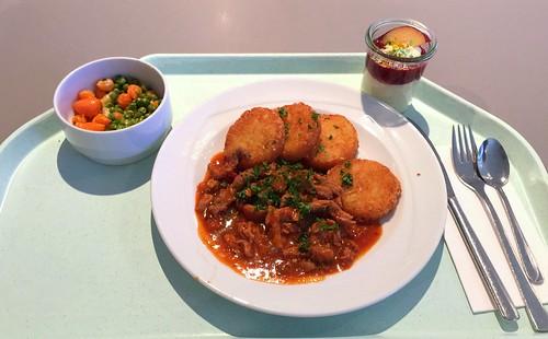 Turkey chop in bell pepper sauce & roesti / Putengeschnetzeltes in Zigeunersauce & Rösti