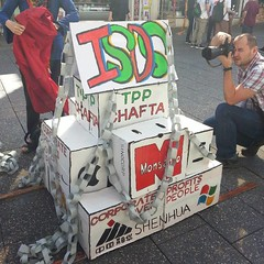 #freethetpp #stopthetpp #stoptpp #exposetpp #exposethetpp #isds #chafta #stopchafta #nafta #tpp #tppaustralia #whytpp #tppfremantle #performanceprotest #performanceart