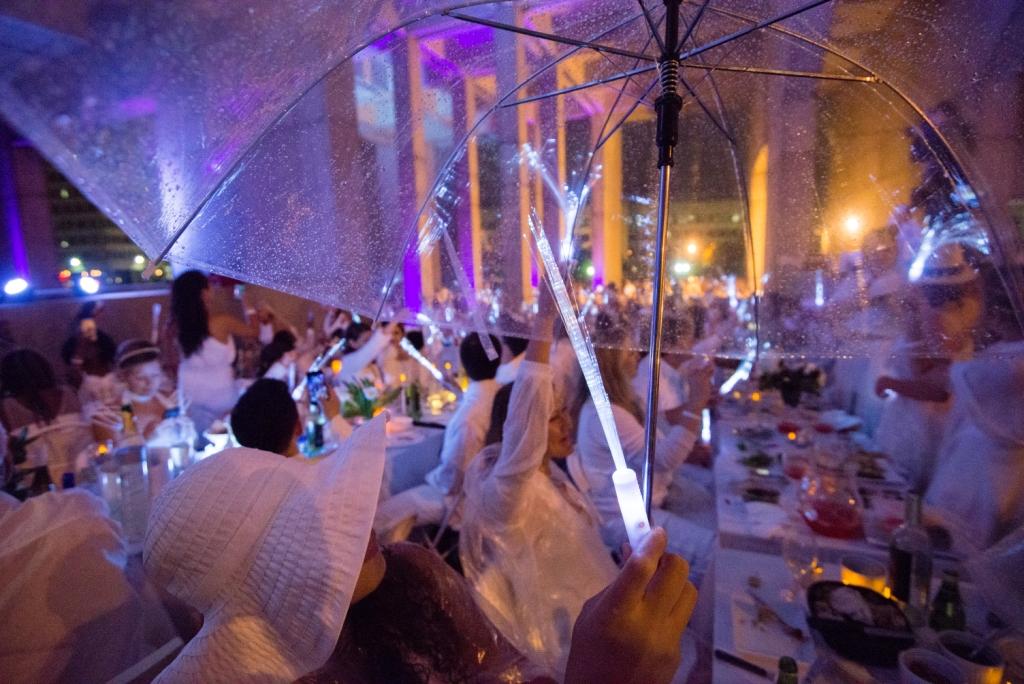 Diner en Blanc Boston by Jennifer Hefner, Vita Images (5)