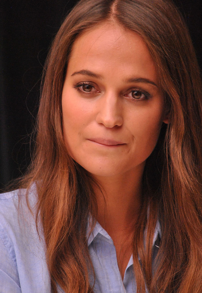 Алисия Викандер — Пресс-конференция «Девушка из Дании» на «TIFF» 2015 – 50