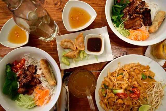 Lunchtime Noodles at KIN, Clerkenwell | www.rachelphipps.com @rachelphipps