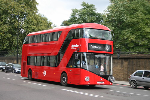 Metroline LT555 on Route 16, Victoria