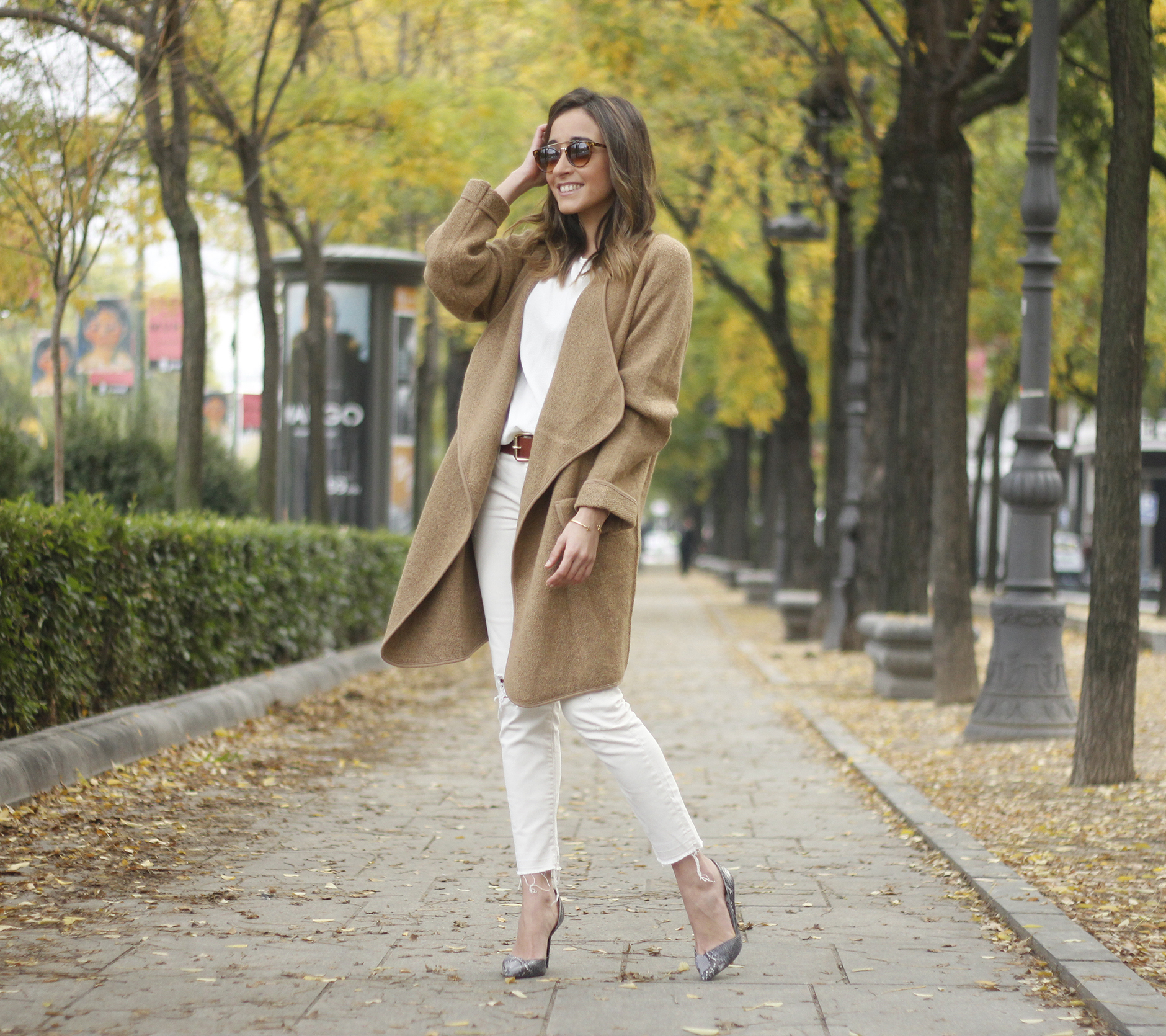 Camel Coat sheinside white outfit heels uterqüe purse outfit05
