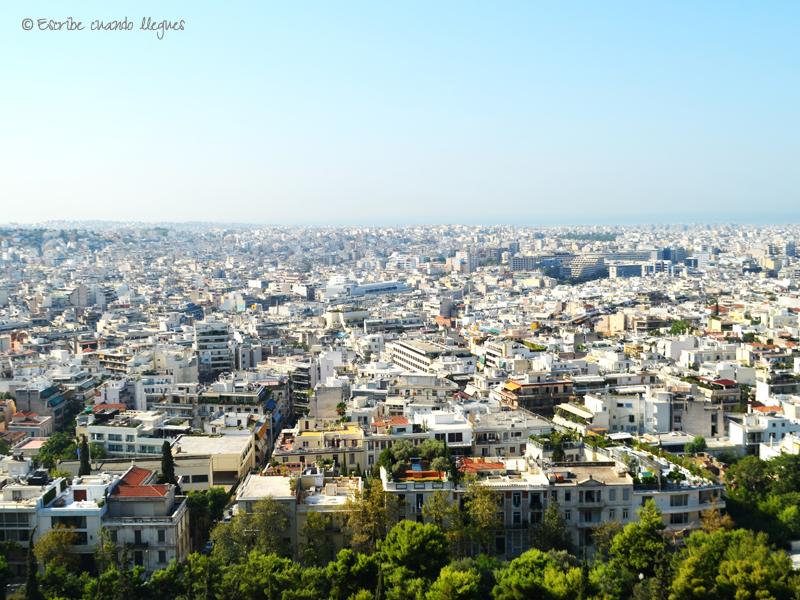 Vistas de Atenas desde lo alto de la Acrópolis