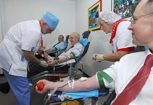 Плюси та мінуси здавання крові