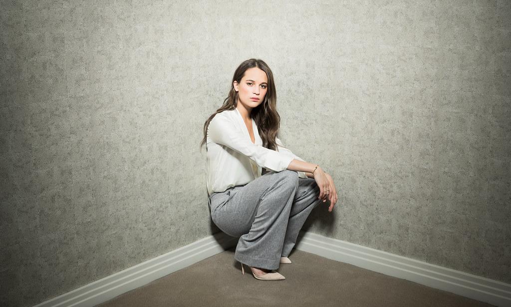 Алисия Викандер — Фотосессия для «Observer» 2015 – 1