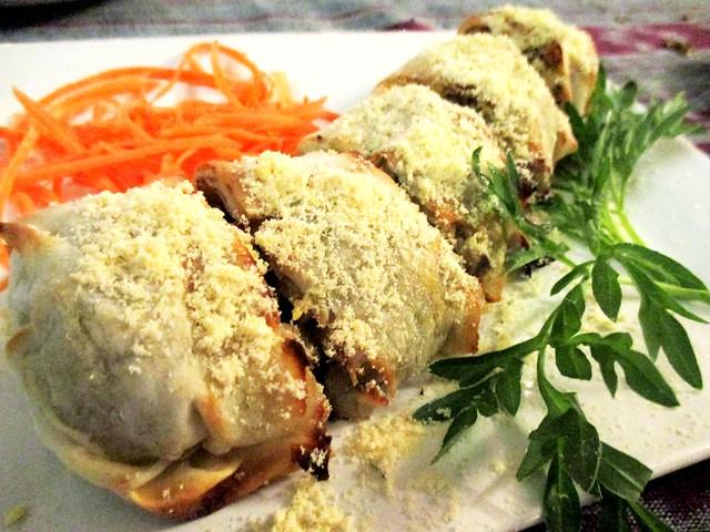 Payung Cafe mushroom roll