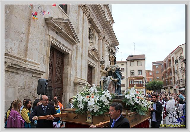 Briviesca en Fiestas 2.015 Procesión del Rosario y canto popular de la Salve (9)