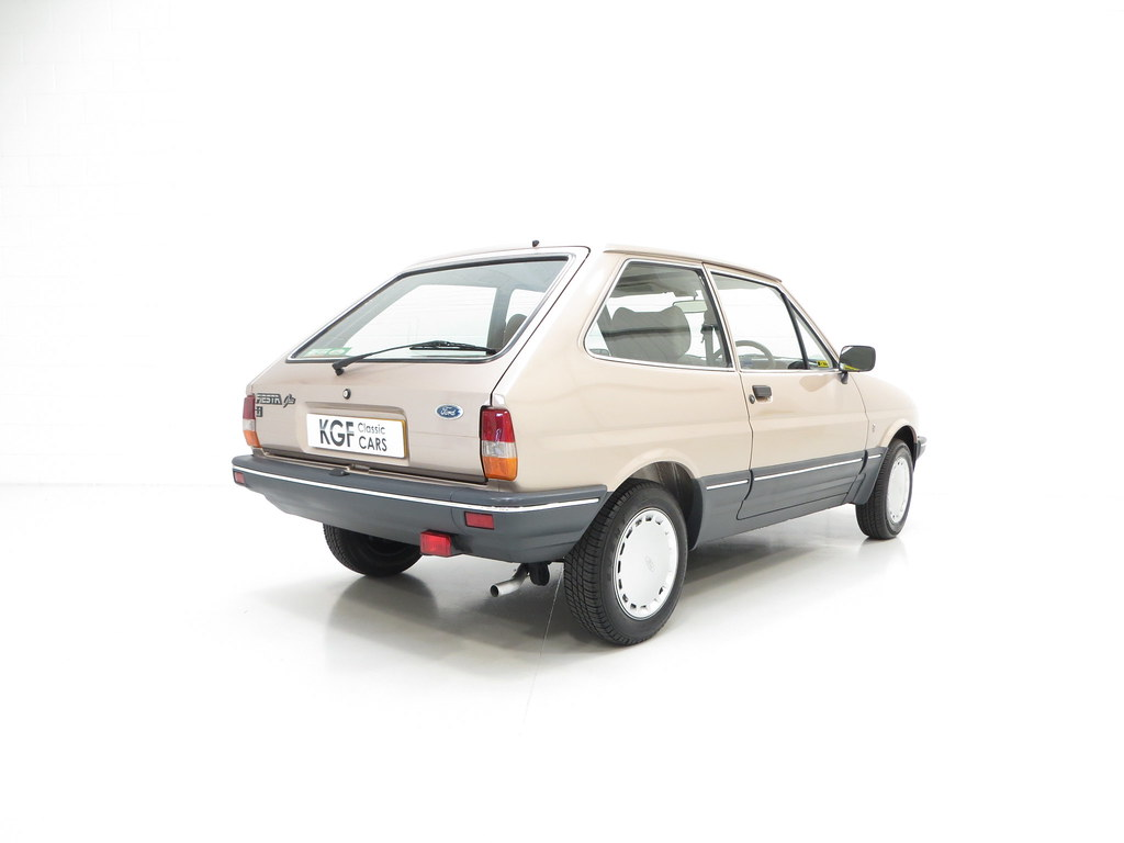a ford fiesta mk2 1 1 ghia full history pe1 sold. Black Bedroom Furniture Sets. Home Design Ideas