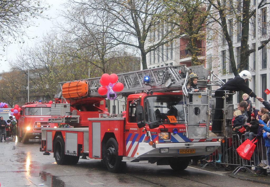 Sinterklaasintocht Amsterdam Brandweer fire engine