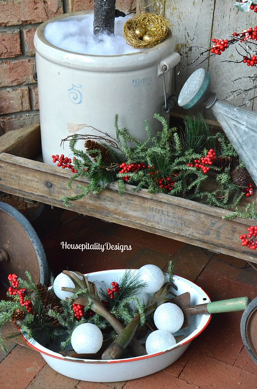 Christmas 2015 Front Porch/Vintage Wagon - Housepitality Designs