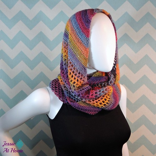 Comfy-Mochi-Cowl-free-crochet-pattern-by-Jessie-At-Home-2