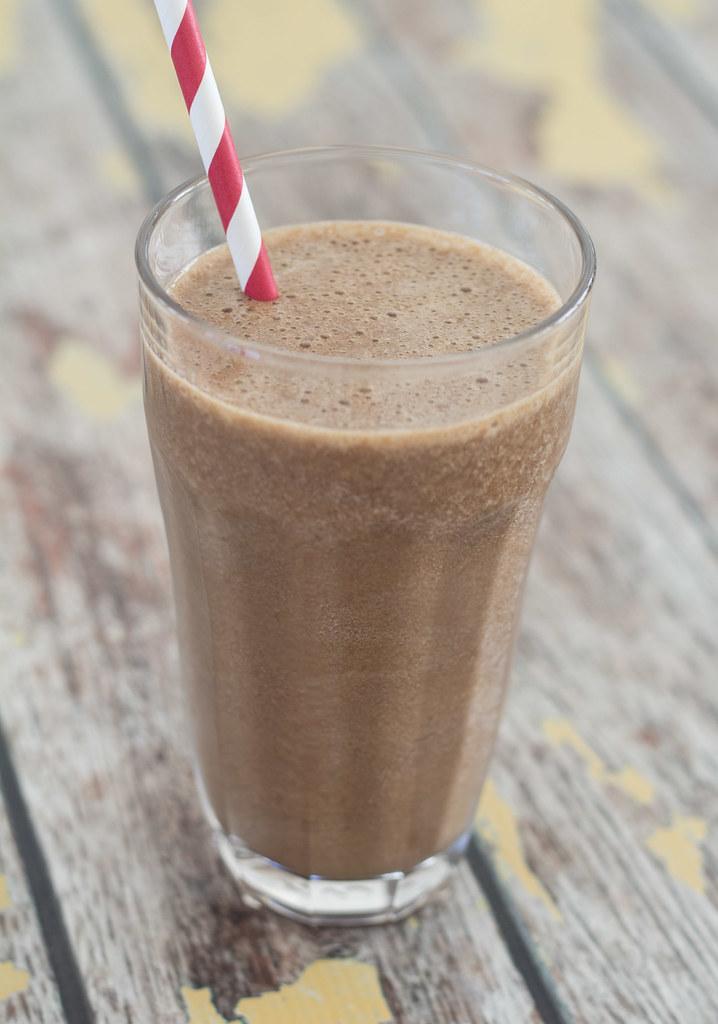 Opskrift på hjemmelavet sund kaffe-banan shake - sund milkshake