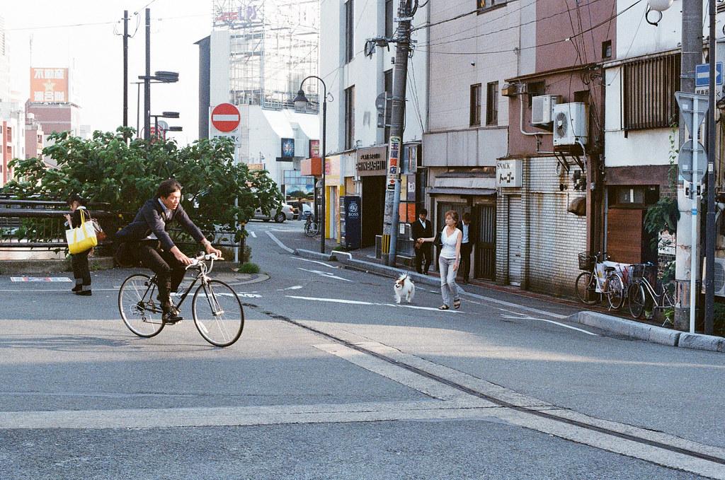 中洲 福岡 Fukuoka 2015/09/04 騎腳踏車的大叔!  Nikon FM2 / 50mm Kodak UltraMax ISO400 Photo by Toomore