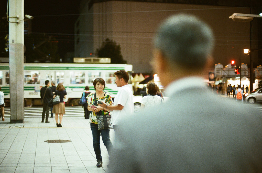 通町筋 熊本 Kumamoto 2015/09/05 一個畫面、一個電車。  Nikon FM2 / 50mm Kodak UltraMax ISO400 Photo by Toomore